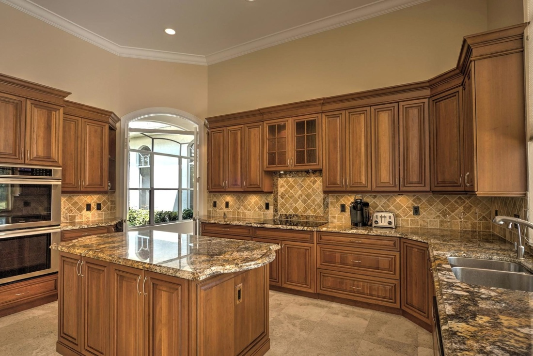 Learn these 4 secret tips for picking the right countertop granite for your kitchen